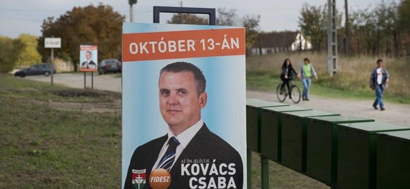 Itt a bizonyíték a csalásra: pénzért és tűzifáért szavaztak Baján