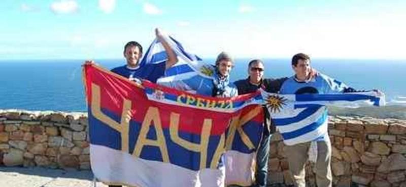 Gyalog a vébére: 16 ezer kilométert tett meg csapatáért a szerb szurkoló
