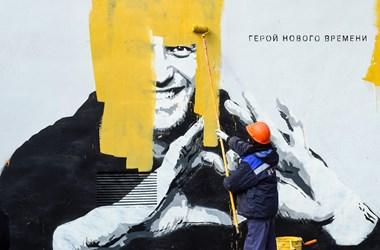 Putyin mindenkit eltakarít, hogy csak az álellenzéke maradjon a porondon