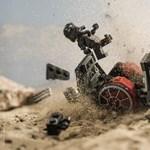 Különleges, legós fotókon örökítette meg egy magyar fotós a Star Wars pár jelenetét