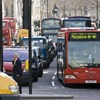 Buszokat fognak be mentőautónak Londonban, annyi a koronavírusos beteg