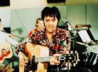 Donald Trump kitüntette Elvis Presley-t