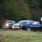 Veterán Pontiac sportkocsit hajszoltak a holland zsaruk - fotók
