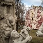 Fotók: Különleges festménnyel dobtak fel egy tűzfalat Óbudán