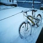 Milliókra büntethetik a társasházakat, ha senki nem lapátolja el a járdán lévő havat