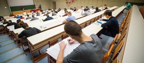 A járvány miatt a 2021-es érettségin is változtatnának Angliában