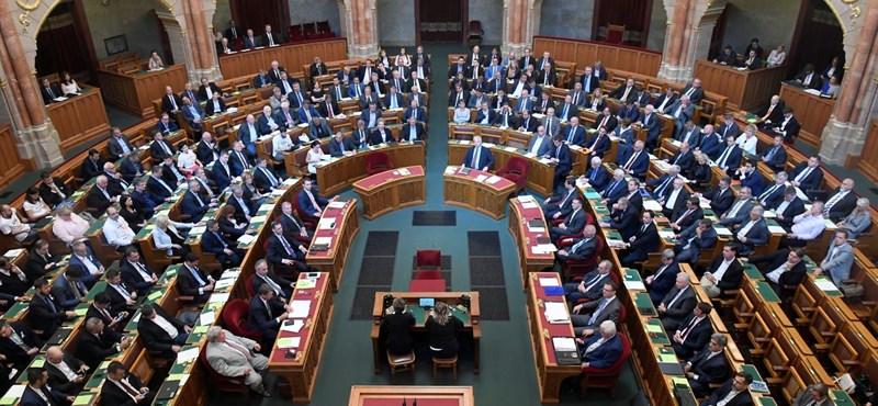 Nem verték nagydobra, hogy ismét törvénysértőnek mondta ki az Országgyűlést az Alkotmánybíróság