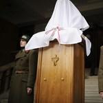 Horthy-szobor: református egyházi vezetőkhöz fordult az MSZP