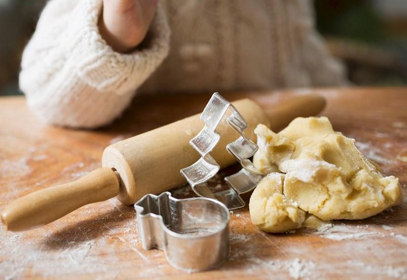 Mert pont egy iskolai sütivásár hiányzik még a decemberi hajtásban!