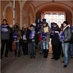 Képek: így tiltakoznak a vidéki egyetemvárosokban a keretszámcsökkentés ellen