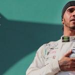 Feketére festi versenyautóit a Mercedes a fekete életekért