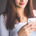 Új kutatás: A mobilozás rontja a beszédkészséget