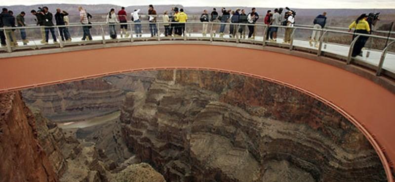 Izgalmas látványosságok, csak erős idegzetű turistáknak!
