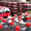A Coca-Cola azért nyomja még a műanyagot, mert az emberek állítólag ezt várják