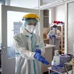 Blikk: Fél fizetést kaptak csak a járványkórházba átvezényelt egészségügyi dolgozók