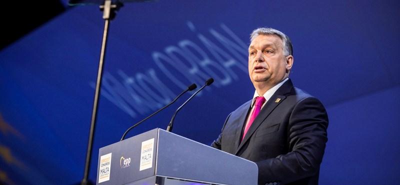 """Vélemény a The Guardianben: """"Itt az ideje választani Merkel és Orbán között"""""""