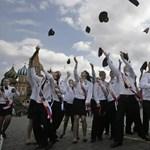 Kötelező lesz a himnusz éneklése az orosz iskolákban