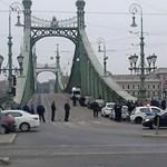Fotó: Most a Szabadság hidat foglalták el civilek