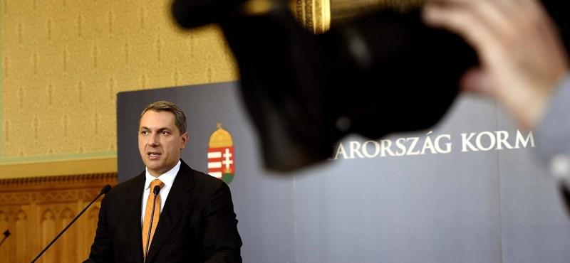 Így tér ki Lázár az Orbánra nézve kínos kérdés elől