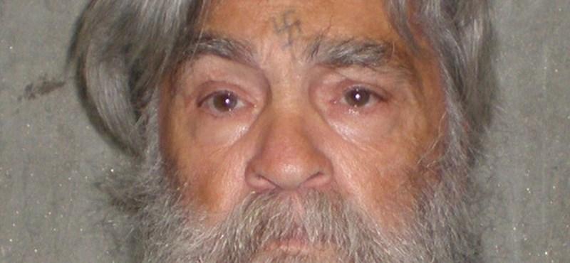 A Breaking Bad sztárja gyerekként találkozott a sorozatgyilkos Mansonnal