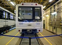 Jelentés mondja ki, hogy új metrókocsikat küldött Magyarországra a Metrowagonmash