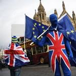 Menni vagy nem menni? Mikortól és mire kell számítaniuk a Nagy-Britanniába készülő magyaroknak a keddi Brexit-megállapodás után?