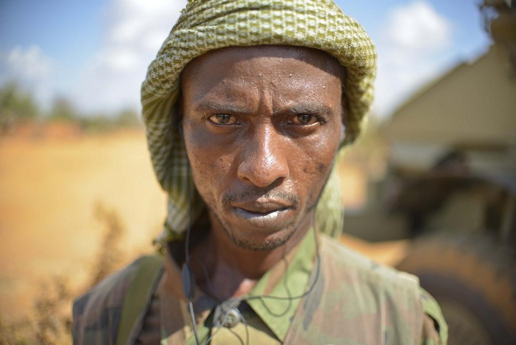 Nagyításgaléria - A Szomáliai Nemzeti Hadsereg egyik tagja.