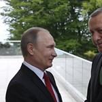 Erdogan kioktatta Amerikát, miután némileg hátba támadta