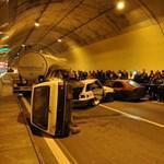 Fotók: Elképesztő dolgok történtek éjszaka az M6-os alagútjában