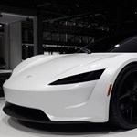 Európába jött a mindent verő új Tesla Roadster
