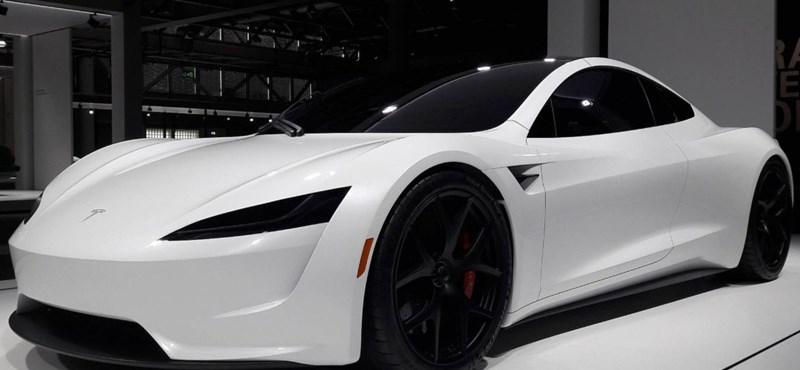 Rekordnagy hatótávval támad a Tesla új villanyautója