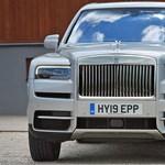 Kipróbáltuk Ronaldo családi autóját – ilyen a 110 milliós Rolls-Royce Cullinan