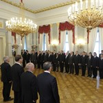 Államtitkárokat cserél le Orbán
