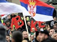 Szijjártó Péter Belgrádban kampányol