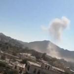 Rakétatámadást hajtottak végre egy katonai tisztavatáson Jemenben, sok a halott