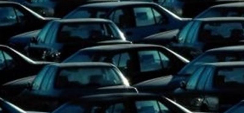 Már túl sok az autó Kínában