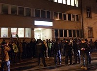 Több mint ezren vonultak Szombathelyen is egy Mészáros-laphoz