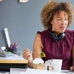 Áttörés Franciaországban: munkahelyi asztaluknál ebédelhetnek a dolgozók
