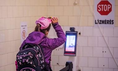 Harmadik hullám az oktatásban? Egyre több iskolában állnak át digitális oktatásra