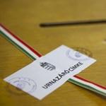 Pörög a munka a választási irodákban