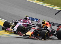 Közmunkára ítélték a lökdösődő F1-es pilótát
