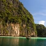 Felborult egy hajó, eltűnt turistákat keresnek a thaiföldi Phuket szigeténél
