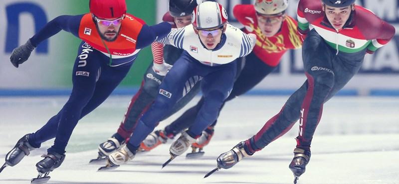 Ezüstérmes lett a rövidpályás gyorskorcsolya-világbajnokságon Liu Shaoang