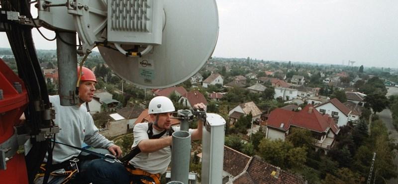 Milliárdokkal dönti a kormány a Telekom felé a pályát?