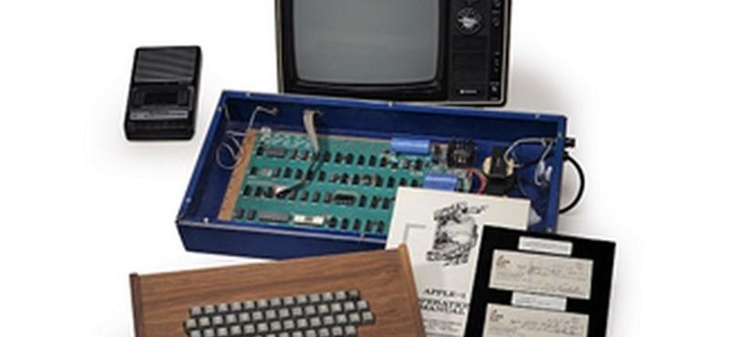 Megveheti ezt az Apple-gépet, amit Steve Jobs adott el a garázsából
