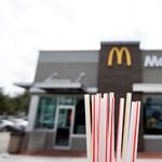 """Kiderült a McDonald's """"környezetbarát"""" papír szívószálairól, hogy nem újrahasznosíthatóak"""