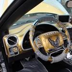Autótuning perzsa módra: bearanyozták a Pontiac Trans Am-et