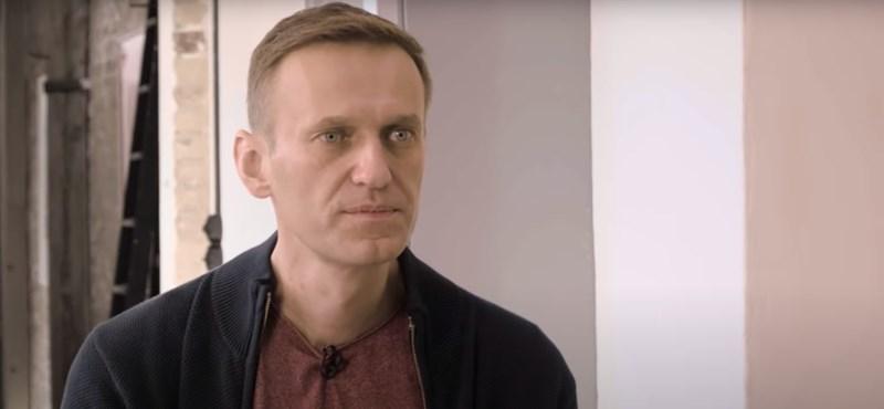 Navalnij kémfőnöknek kiadva magát felhívta a merénylőjét, aki elmondta, hogyan mérgezték meg