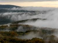 Marad a köd, ónos szitálás bárhol lehet, hó csak a hegyekben várható