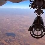 Eltévedt bombák és megtépett vezetők a hét képein